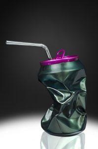 Joy' Artiste | Popy Can Green and pink | résine straw canette | Galerie Mickaël Marciano Place des Vosges Paris.