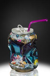 Joy' Artiste | Popy Can Silver | résine straw collage canette | Galerie Mickaël Marciano Place des Vosges Paris.