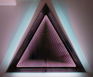 Falcone Artiste | Infinity triangles | Mirror geometric optic | Galerie Mickaël Marciano Place des Vosges Paris