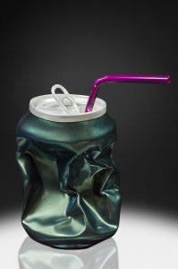 Joy' Artiste | Popy Can Green | Résine straw canette | Galerie Mickaël Marciano Place des Vosges Paris.