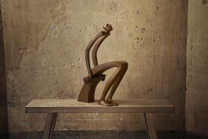 Liseur d'étoiles | Isabel Miramontes Artist | sculpture bronze | Galerie Mickaël Marciano Place des Vosges Paris.