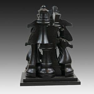 Arman artiste   Le Gambit   chess jeu d'échec Nouveau Réalisme sculpture   Galerie Mickaël Marciano   Paris.