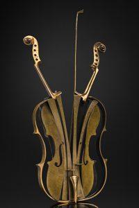 Arman Artist   Violon Venise   instrument de musique New realism école de Nice   Galerie Mickaël Marciano   Paris.