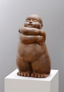 Artiste MARIELA Garibay Etreinte |Bronze Sculpture bébé Tendre | Galerie Mickaël Marciano Art contemporain Paris