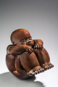 Artiste MARIELA Garibay L'attente | Bronze Sculpture bébé Tendre | Mickaël Marciano Art Gallery Place des Vosges