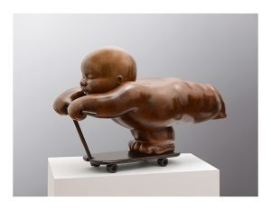 Artist MARIELA Garibay Trotinette | Bronze Sculpture bébé Tendre | Galerie Mickaël Marciano Art contemporain Paris
