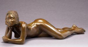 Brigitte Teman Artist | Clarence | bronze sculpture femme nue | Galerie Mickaël Marciano Art contemporain Paris