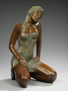 Brigitte Teman Artiste | Lise | Bronze sculpture femme sitting woman portrait | Mickaël Marciano Art Gallery Place des Vosges