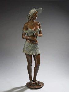 Brigitte Teman Artiste | Rose | Bronze sculpture femme hat standing woman | Mickaël Marciano Art Gallery Place des Vosges