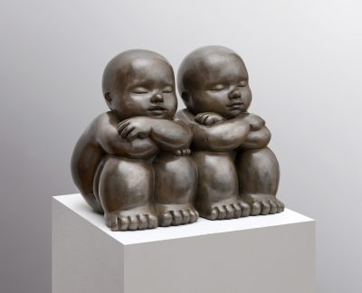 Artiste Mariela Garibay Ensemble | Bronze sculpture baby | Galerie Mickaël Marciano Art contemporain Paris