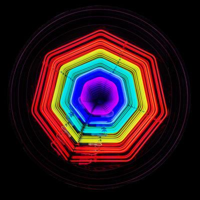 Falcone Artiste | Infinity flower |rainbow arc en ciel MIROIR ILLUSION lumière | Galerie Mickaël Marciano Place des Vosges Paris