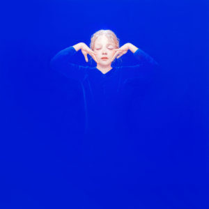 Andrzej Malinowski Artist | Éclore | hyperrealism bleu blue | Galerie Mickaël Marciano Place des Vosges Paris