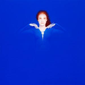 Andrzej Malinowski Artiste | Mise à nu | hyperréalisme blue bleu | Galerie Mickaël Marciano Place des Vosges Paris