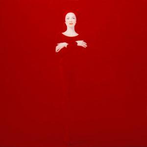 Andrzej Malinowski Artiste | Porteuse de paix | hyperréalisme red rouge | Galerie Mickaël Marciano Place des Vosges Paris