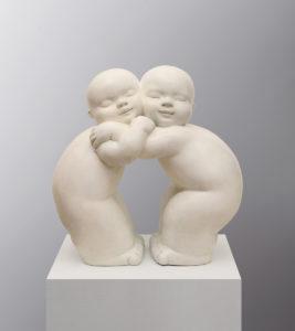 Artiste MARIELA Garibay Tendresse | Bronze Sculpture bébé Tendre | Mickaël Marciano Art Gallery Paris