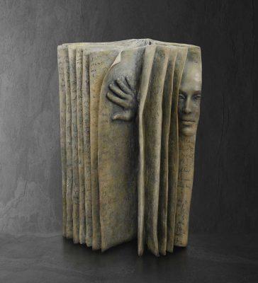 Ouverture  Paola Grizi Artist   sculpture bronze livre   Galerie Mickael Marciano Paris Place des Vosges